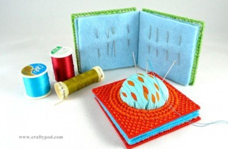Plastic Canvas – Pin Cushion And Needle Box