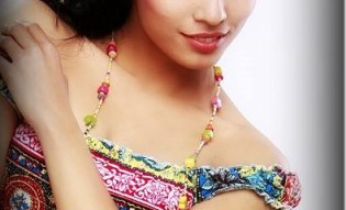 riju-shrestha-sexy-looks.jpg