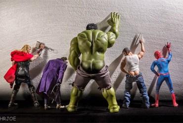 como os super-heróis se comportam quando não estão salvando o mundo 08