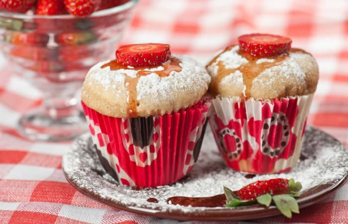 Easy Strawberry Shortcake Breakfast Muffins - Nerdy Mamma