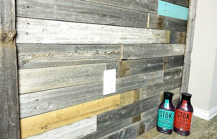 Easy DIY Pallet Wall in One Weekend