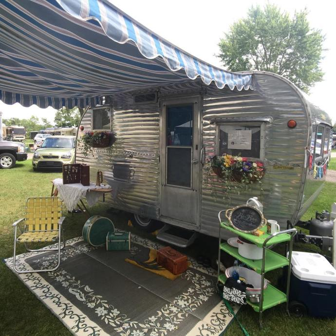 At the Northern Illinois Vintage Trailer Rally vintage vintagetintrailer vintagetrailerhellip