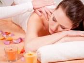 Massieren lernen und Wellness Masseur werden - Bildcopyright: FOTOLIA.DE