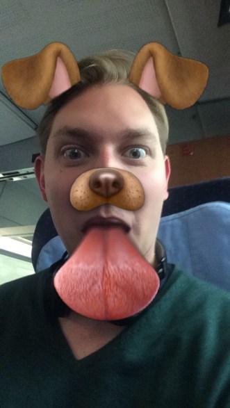 Ein Snapchat Nutzer mit Selfie-Filter