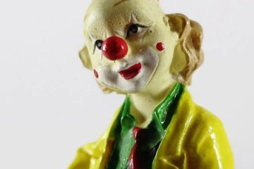 Image shows an ornament of a clown.