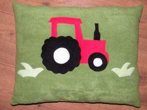 Traktor ikeazöld alapon