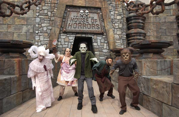 Universal Studios opens House of Horrors