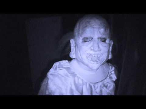 Motel-6-Feet-Under-Halloween-Haunt