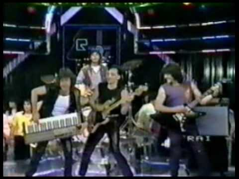 Music Video: Keith Emerson performs Murder Rock