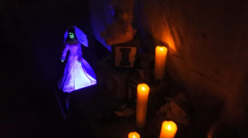 daisey-avenue-haunt-candles