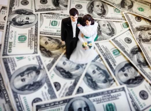 年収1000万円稼いでいたが無駄使いをして妻と離婚しました