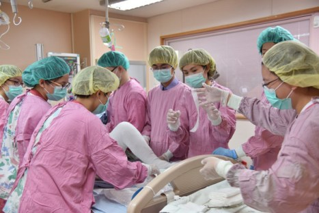 八仙樂園燒傷病患後續處理仍是漫漫長路。 圖片來源:東森新聞