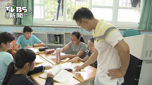 政府研擬將教師退休年齡改成65歲  圖片來源: TVBS