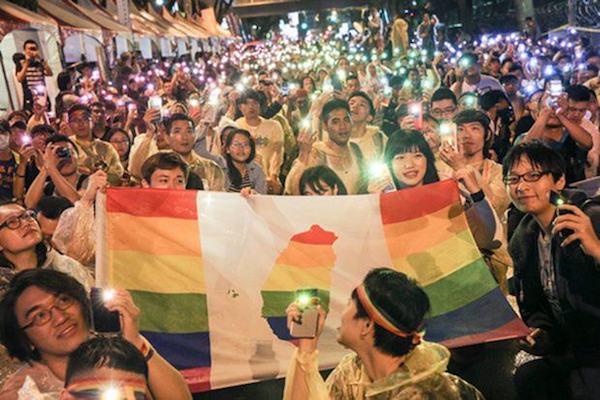 婚姻平權議題隨近日同志遊行增溫。 圖片來源:青春健康不老林