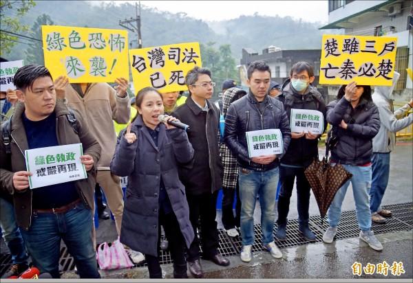 王炳忠被查,引發新黨不滿。 圖片來源:自由時報
