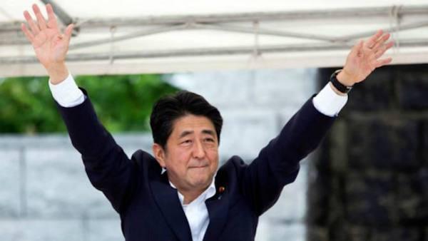 安倍晉三在下屆選舉穩操勝券。 圖片來源:FT