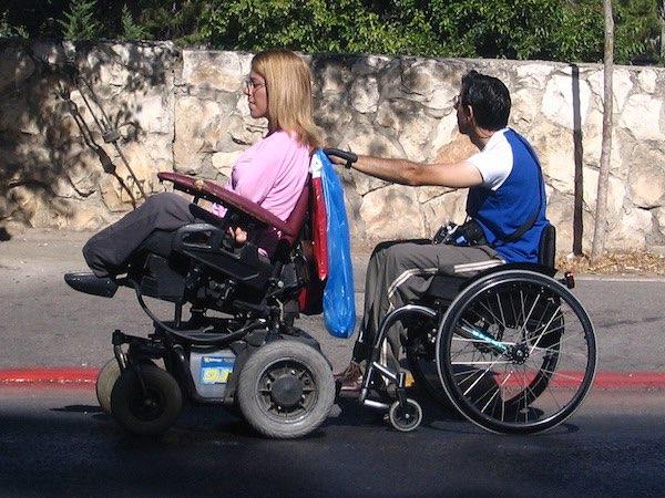 身心障礙者透過科技可改善生活並進入職場。 圖片來源:醒報