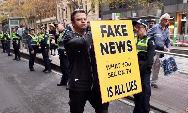 發布或散佈假新聞要不要處罰? 圖片來源:自由時報