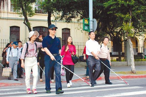 視障者的交通安全,更需要被保障。 圖片來源:中時電子報