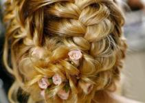 cute hair style for golden hair