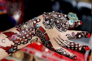 New & Stylish Mehndi Designs Tattoo By Henna For Women 2013 1