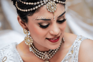 Dulhan Shaddi Hairstyles 2015-2016 for Weddings (1)