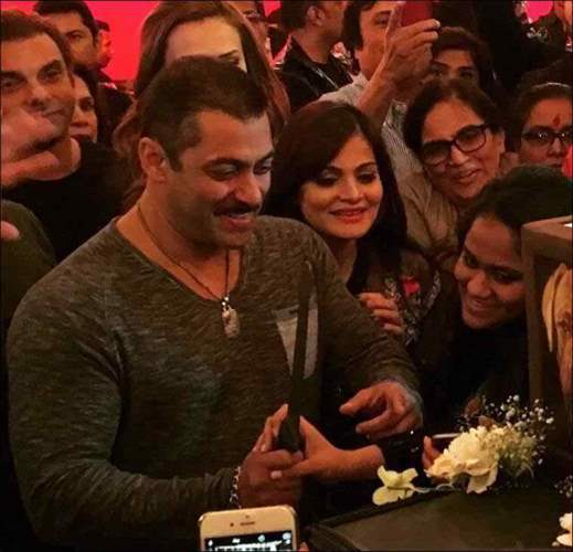 pictures from Salman Khan's big birthday bash