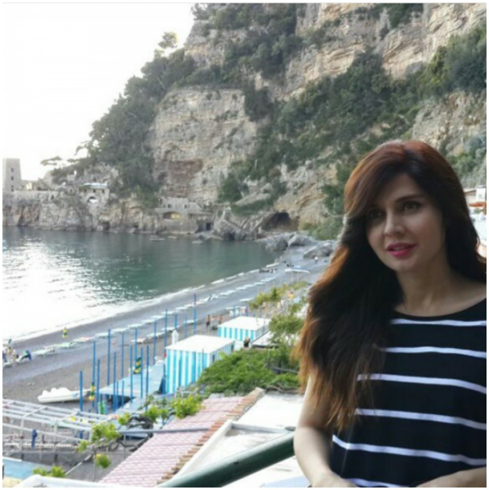 Cute Aged actress Mahnoor Baloch In Greece – Pictures