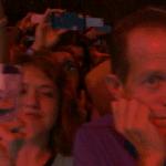 Ein Vater beim Teenie-Konzert