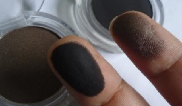 The Body Shop Color Crush Eye shadows Brownie & Clyde, Moonlight Kiss Review, Swatches