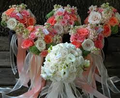 Peach and white bridal bouquets