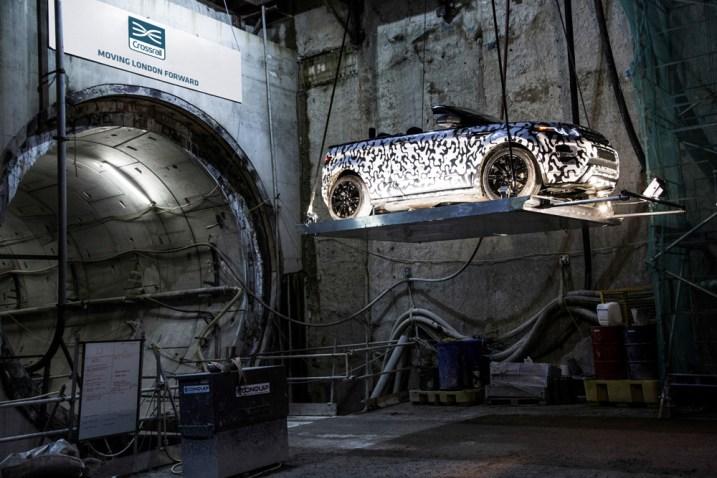 Evoque Cabriolet descend dans le tunnel à Londres