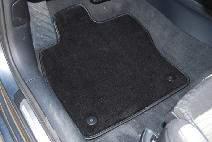 test de tapis auto de luxe aux dimensions d origine news auto. Black Bedroom Furniture Sets. Home Design Ideas