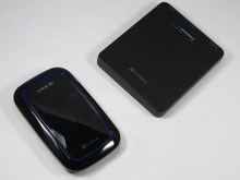 ULTRA WiFi 101SIと同梱の外部バッテリー