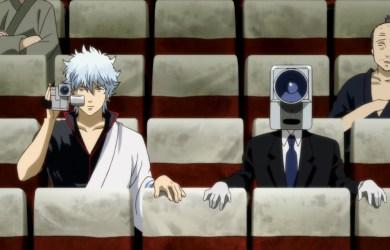在日本人人喊打的電影小偷,如今也出現在本片當中,讓原著作者幽了一默,左為男主角銀時(本圖由蜜蜂工房提供)