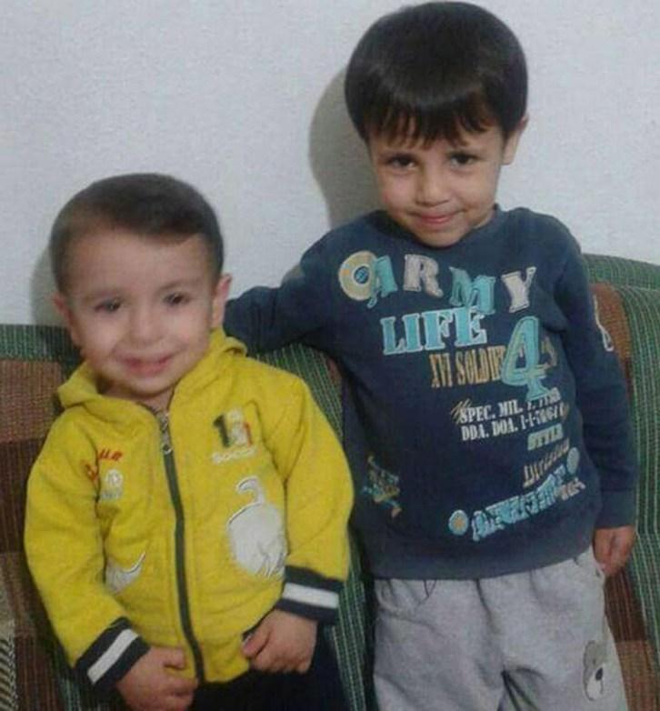 إيلان كردي ؛ الطفل السوري الغريق وأخيه