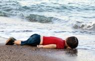 """مفاجاءة…والد الطفل """"الأن"""" الغريق هو المهرب والقبطان"""