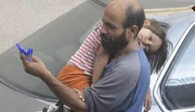 لاجئ فلسطيني يبيع الاقلام
