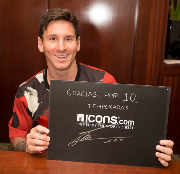Lionel-Messi-Signing-Session-Icons