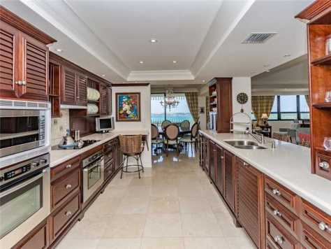 bal harbour condo kitchen