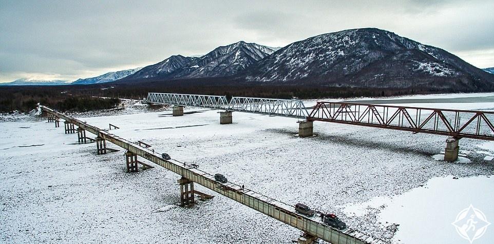 بالصور.. تعرف على أخطر جسر فى العالم