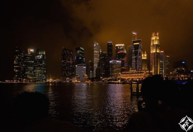 سنغافورة ليلا
