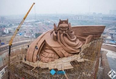 تمثال ماركيز كوان يو3