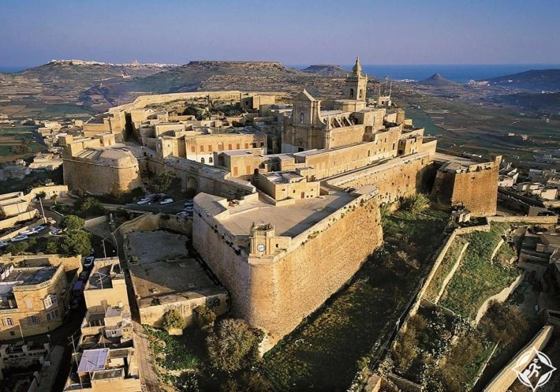 قلعة جوزو