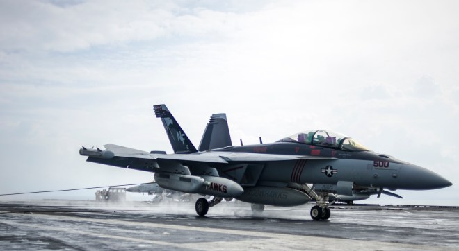 Forbes Calls for Extending Super Hornet Production