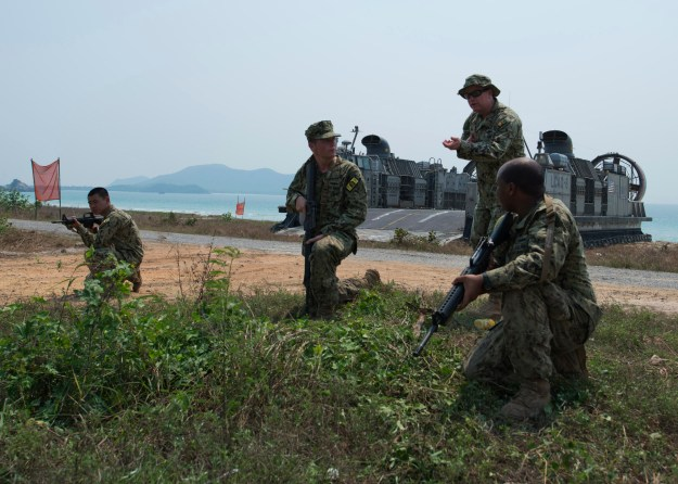 Troops train during the Cobra Gold 2013 bilateral Thai-U.S. exercise on Feb. 14, 2014. US Navy Photo