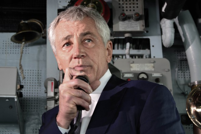 Reports: Hagel Stepping Down Over ISIS Fight