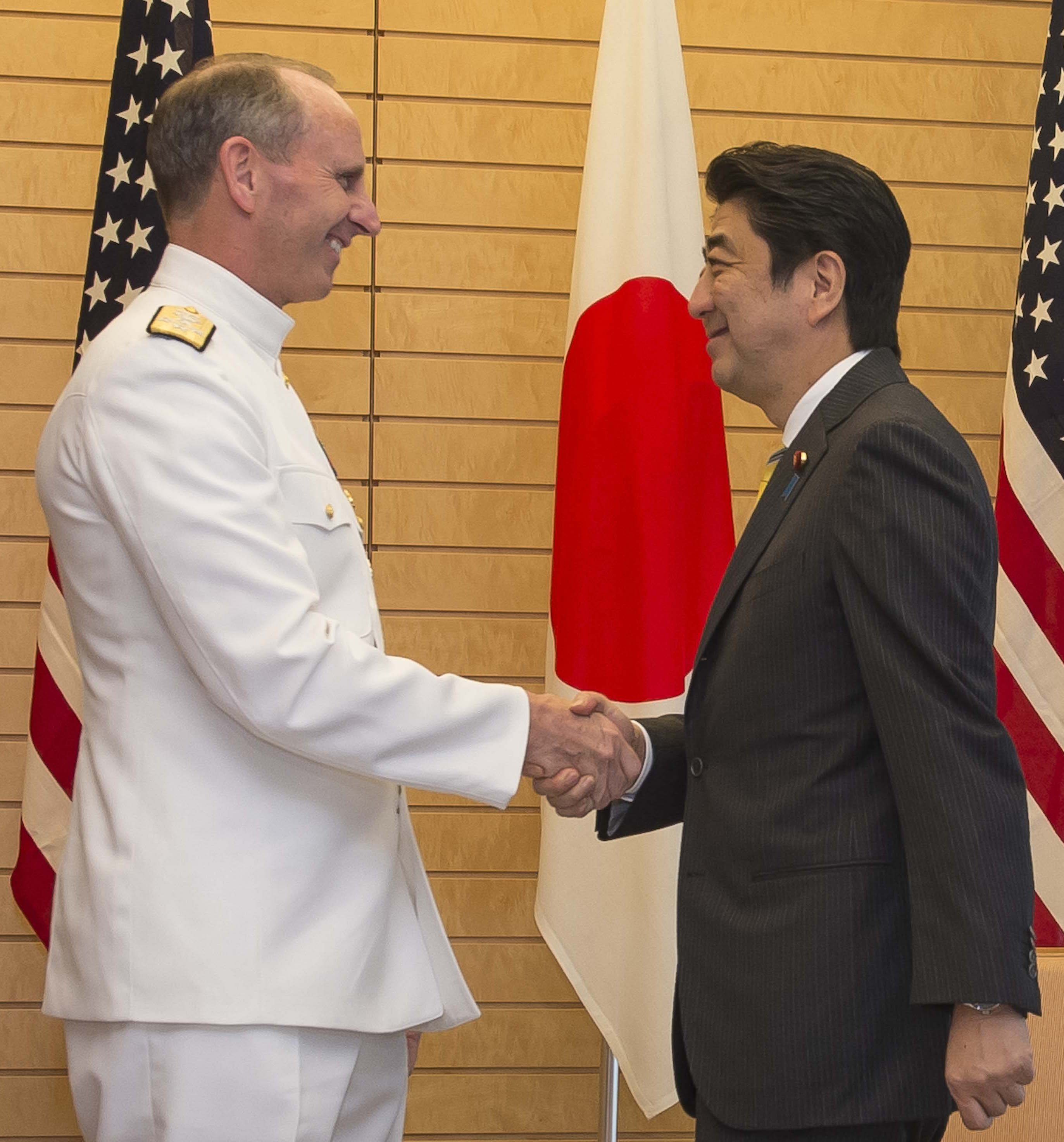 Chief of Naval Operations Adm. Jonathan Greenert meets with the Prime Minister of Japan Shinzo Abe on May 26, 2014. US Navy Photo