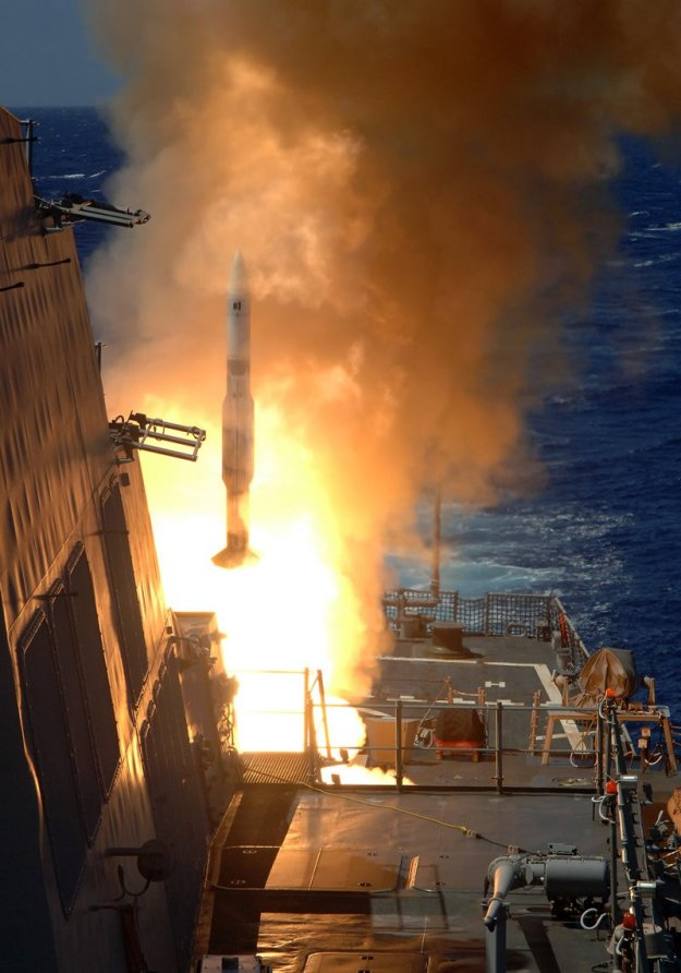 A Standard Missile 2 (SM-2) launches from the aft Vertical Launching System (VLS) aboard destroyer USS O'Kane (DDG-77) in 2006. US Navy Photo