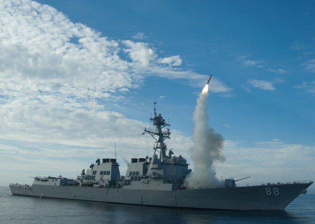 USS Preble (DDG-88) conduct an operational tomahawk missile launch while underway in a training area off the coast of California in 2010. US Navy photo.